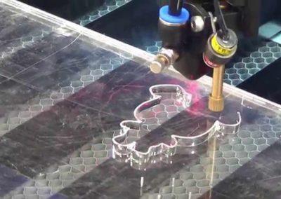 grabado laser en metacrilato