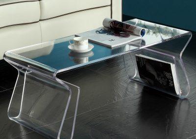 mesa baja de metacrilato transparente